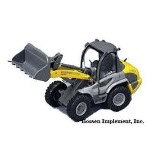 Kramer Allrad Wheel Loader Model 580   1/50 Scale Toys