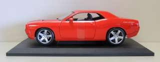 2006 Dodge Challenger Concept Diecast Model Car   Maisto   118 Scale