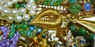 Lot Costume RHINESTONES Beads Brooches RINGS Pins Sets+++