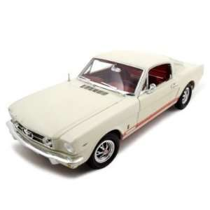 1965 Ford Mustang GT Fastback 1/18 Wimbledon White Toys