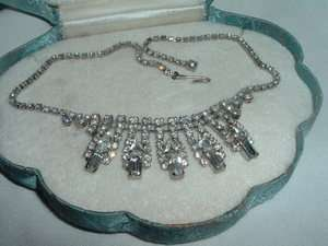 ESTATE BEAUTIFUL ART DECO WHITE RHINESTONE AND RHODIUM CHOKER NECKLACE