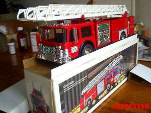 1986 HESS RED FIRE TRUCK TOY COLLECTABLE LIGHTS SIRON