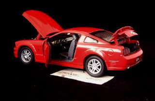 FRANKLIN MINT 2005 Ford Mustang GT Diecast 124   Red
